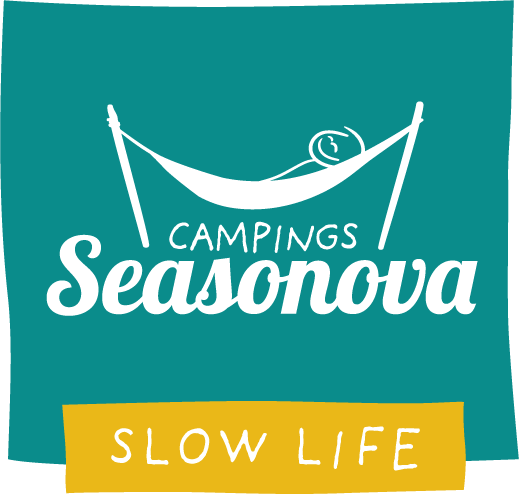 (Français) Les Plages de Loire, camping 3 étoiles dans  un espace naturel classé avec piscine  chauffée