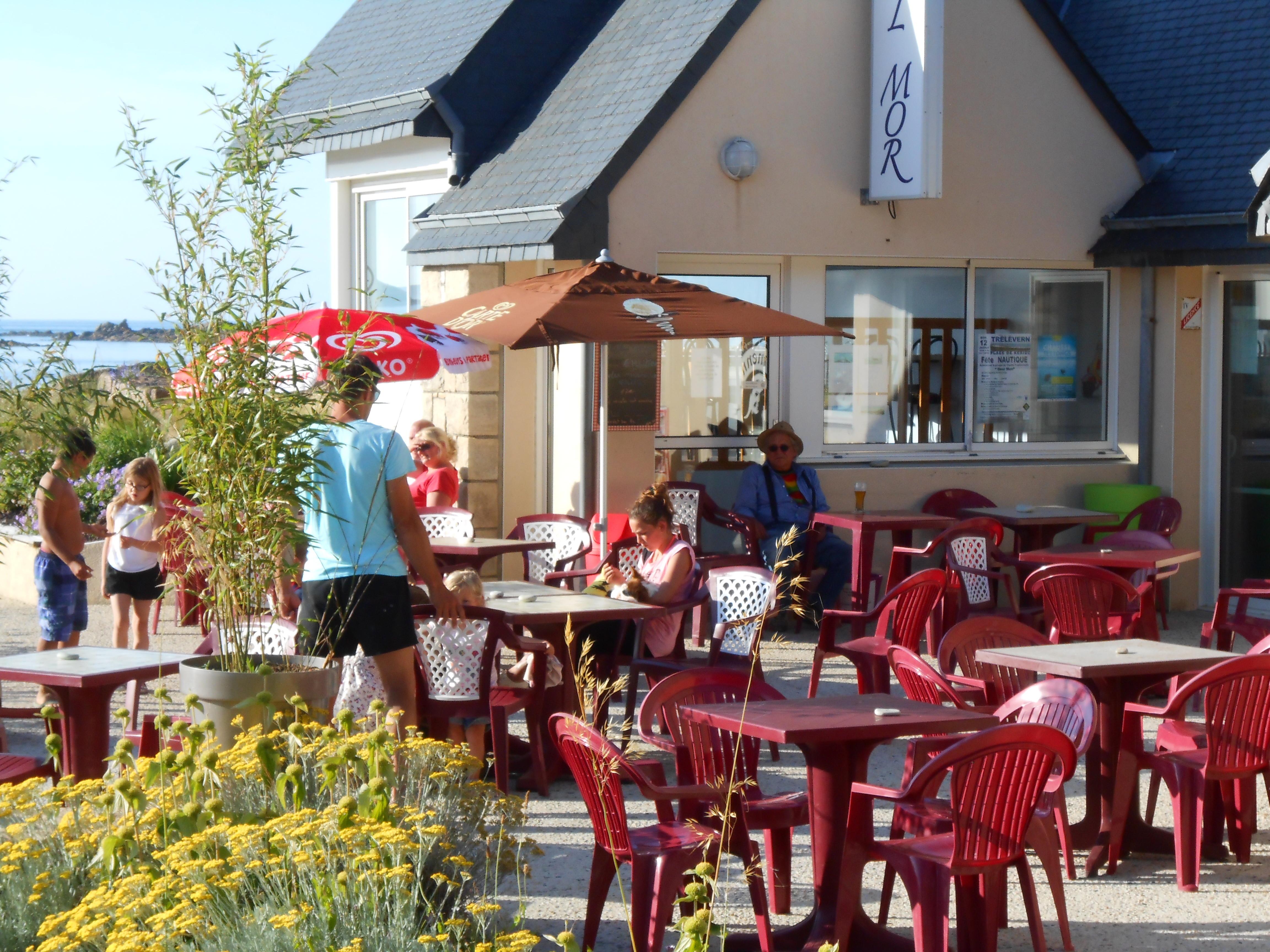 terrasse restaurant du camping les 7 Iles