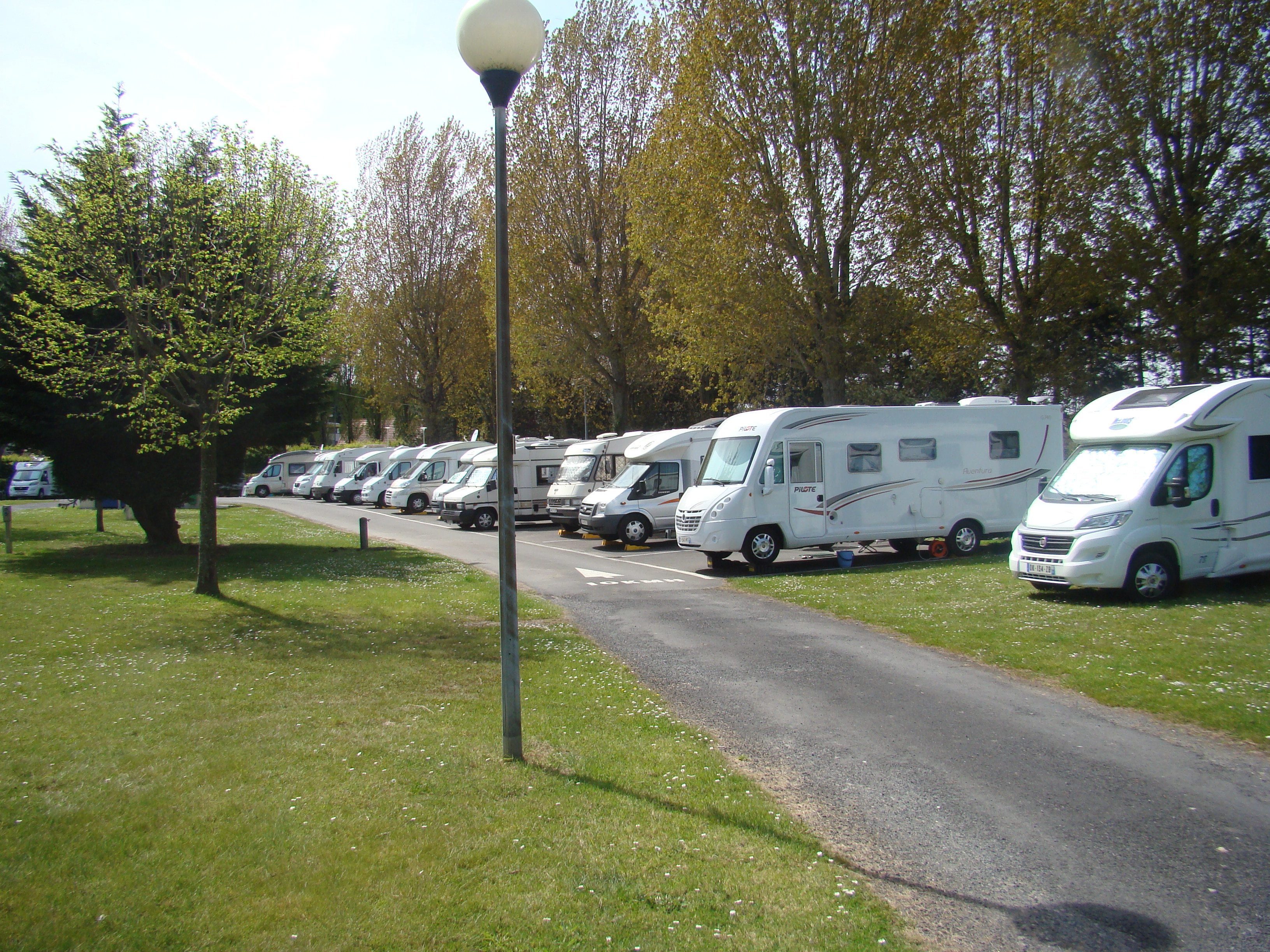 Camping rivabella ouistreham normandie piscine chauff e for Camping car de luxe avec piscine