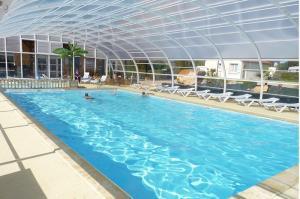 piscine camping les mouettes veules les roses , camping bord de mer avec piscine chauffée et couverte entre Etretat et Dieppe