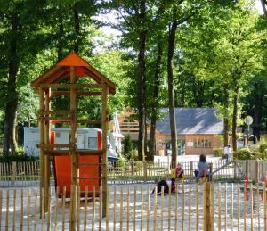 camping la forêt aire de jeux enfants